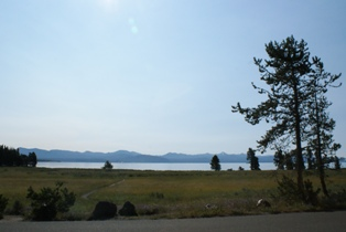 YellowstoneLake.JPG